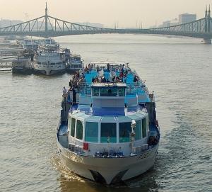Megállapodás a Duna Bizottság és az Európai Bizottság között a dunai hajózás fejlesztése érdekében