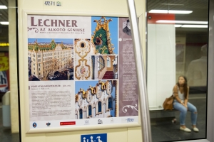 Lechner Ödön építész munkáit bemutató kiállítás nyílt a budapesti metró szerelvényeiben