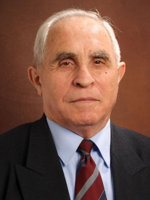 Csom Gyula 1932-2021